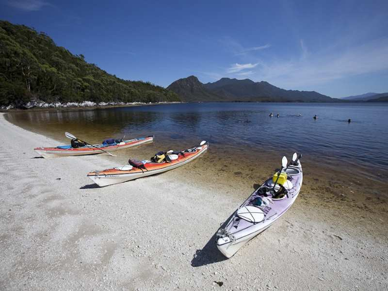 Kayaking skills and learning the eskimo roll